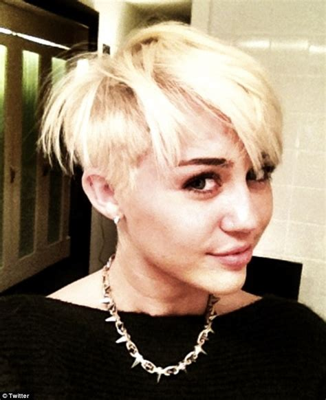 Miley Cyrus New Hairstyle by Miley Cyrus Haircut Shaves To Rock An Edgy
