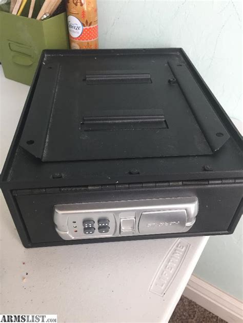 Desk Gun Safe by Armslist For Sale Small Digital Handgun Safe W