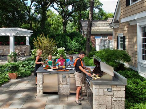 Backyard Grill Station 20 Outdoor Kitchens And Grilling Stations Outdoor Spaces