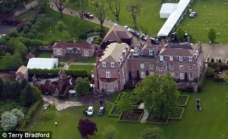 romeo beckham secondary school david and victoria beckham to send brooklyn to british