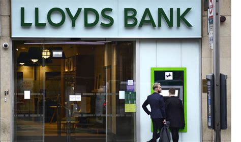 lloyds bank careers lloyds bank is cutting 1 230 as it axes 49 branches