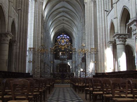 Notre Dame Cathedral Interior by File Laon Cathedral Notre Dame Interior 002 Jpg
