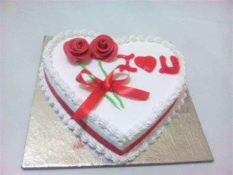 anniversary cake simple heart shape cake cake order for heart shape anniversary cake from yummycake