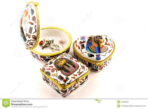 vasi egiziani contenitori di gioielli egiziani di geroglifici fotografia
