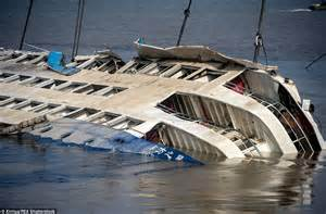 how does a catamaran ferry work chinese boat sinking death toll rises with over 100 bodies