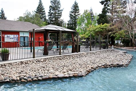 photos and video of village landing in merced ca