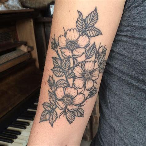 wild rose tattoos best 25 ideas on bird
