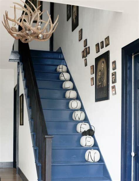 Escalier Entrée Maison by Decoration Murale Montee Escalier