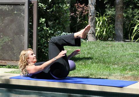 pilates moves   tone   bikini season