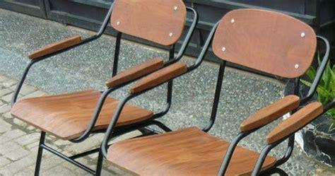 Meja Setrika Duduk antikpraveda kursi taman rangka pipa besi tempat duduk kayu jati