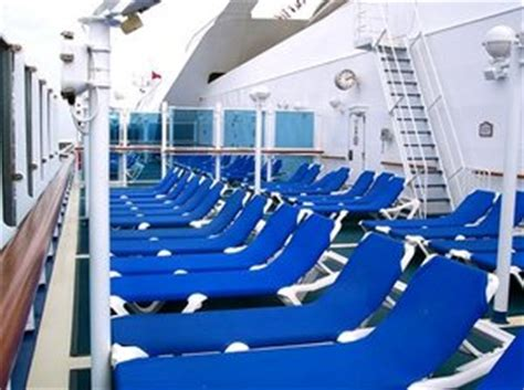 ship jobs no experience working on a cruise ship jobs pay cruisemapper