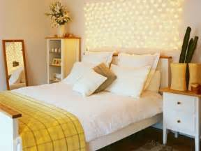 Enchanting decorating bedroom with lights adhered by smooth plaster