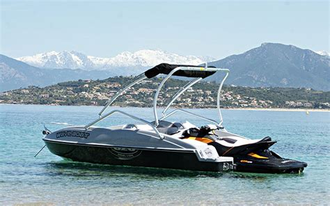 list of synonyms and antonyms of the word wave boat - Jet Ski Hitting Boat Image