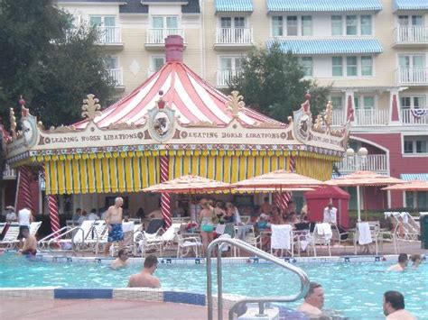 Disney Boardwalk Kitchen Sink - courtyard grounds the kids loved running here picture of disney s boardwalk villas orlando