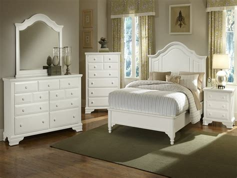 White Distressed Bedroom Furniture Sets by Distressed White Bedroom Furniture Editeestrela Design