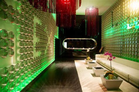 Oscar Room Oscar Room Mate Noct 225 Mbulo Moderno Y Extrovertido