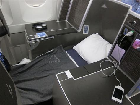 Lucky Rich Air Lounge impressions of brussels airlines business class