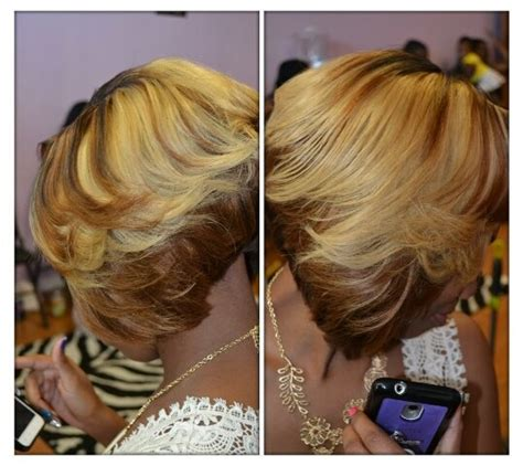 feathered colored bobs feathered bob w highlights the hmn exchange pinterest