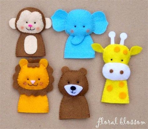 felt crafts for best 25 felt crafts patterns ideas on felt