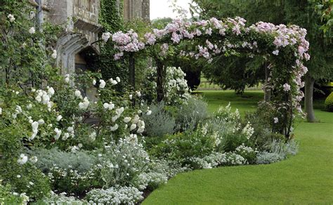 picture of garden gardens sudeley castle gardens