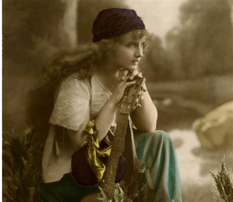 Stunning Vintage Gypsy Photo!   The Graphics Fairy