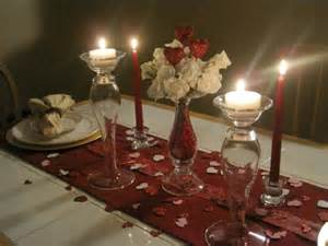 decorating dinner table for that special dinner