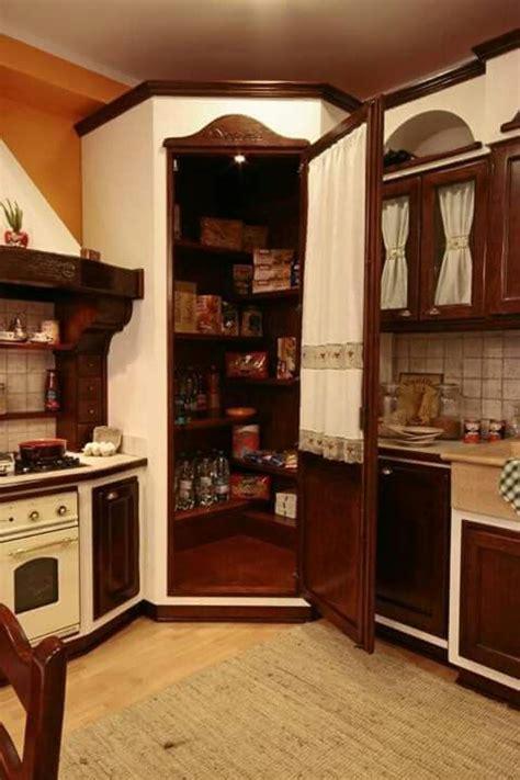 dispensa ad angolo per cucina angolo dispensa in cucina foto da web arredamento casa