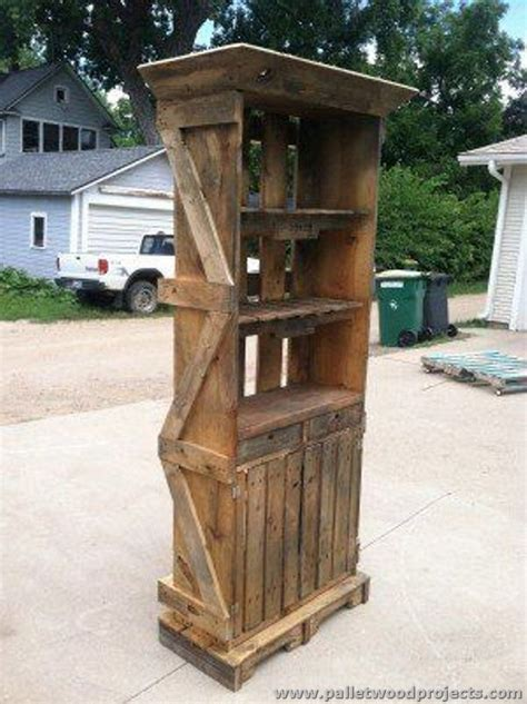 Bar Hutch by Things To Make Out Of Pallets Pallet Wood Projects