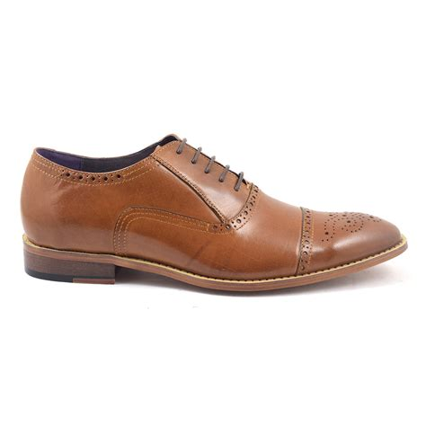 oxford shoes or brogues buy mens oxford brogue shoes gucinari