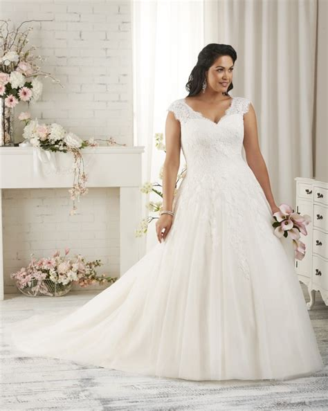 best dresses for plus size plus size wedding dresses that are absolutely gorgeous