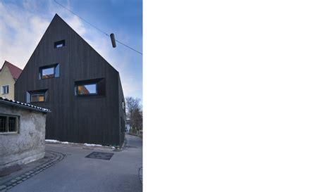 schwarzes haus architekturb 252 ro memmingen www soho architektur de