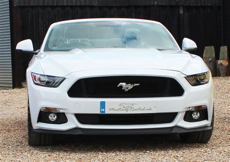 mustang hire uk white ford mustang v8 hire mustang rental uk