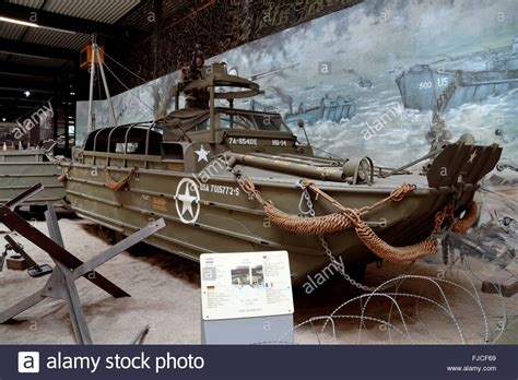 duck boat ww2 dukw stock photos dukw stock images alamy