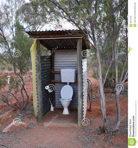 outside bathroom ideas best 25 outdoor toilet ideas on home buckets