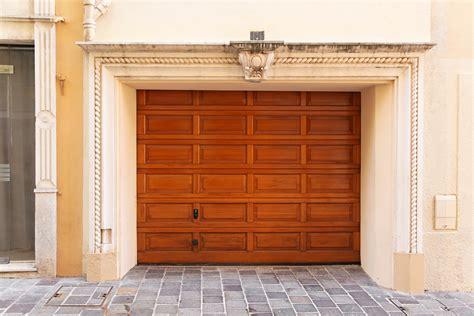 Garage Door Experts Wentzville S Garage Door Experts Discuss The Top 3 Door Styles Durbin Garage Doors Llc