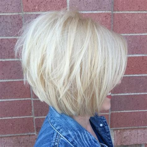 layered chin length bobs 25 best ideas about layered bob hairstyles on pinterest