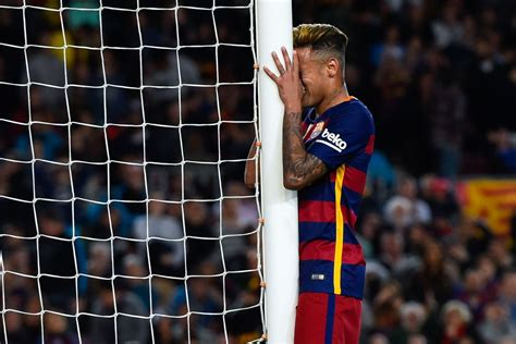 barcelona legend barcelona legend carles puyol defends out of form neymar