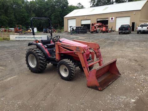 mahindra tractor loader mahindra 2810 4x4 w loader farm tractor rig
