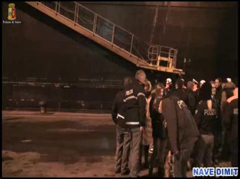 squadra mobile genova squadra mobile genova sequestra 300 kg cocaina su nave