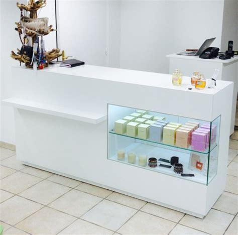 comptoir de caisse comptoir et caisse avec tiroirs agencement de magasin