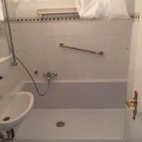 austausch badewanne gegen dusche badewanne zur dusche umbauen seniorenbad24