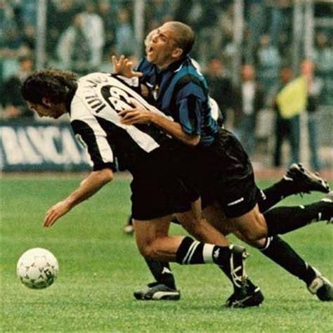 ronaldo 7 juventus inter juventus inter 1997 1998 il derby d italia pi 249 famoso