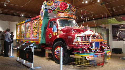 Car Types In Pakistan by How Truck Is Similar To Japanese Dekotora