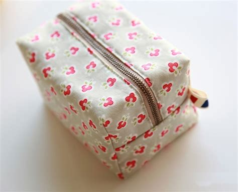 pattern for zippered pouch block zipper pouch tutorial diy tutorial ideas