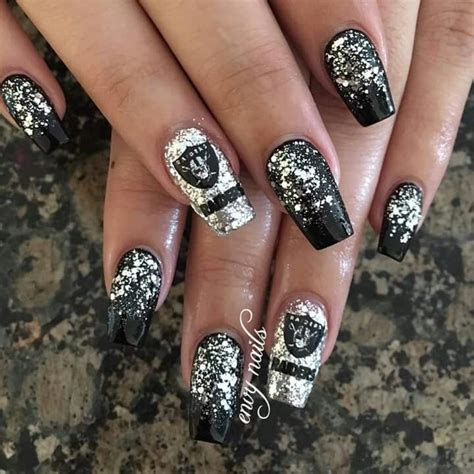 Oakland Raiders Nail Designs