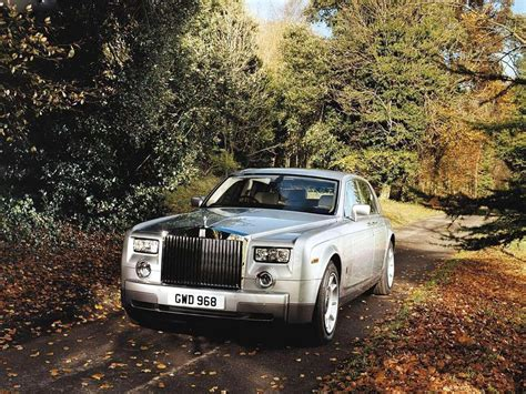 white rolls royce wallpaper download rolls royce wallpaper cardekho com