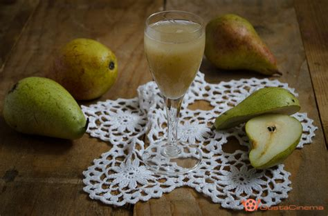 succo di frutta in casa succo di frutta alla pera ricetta fatta in casa il