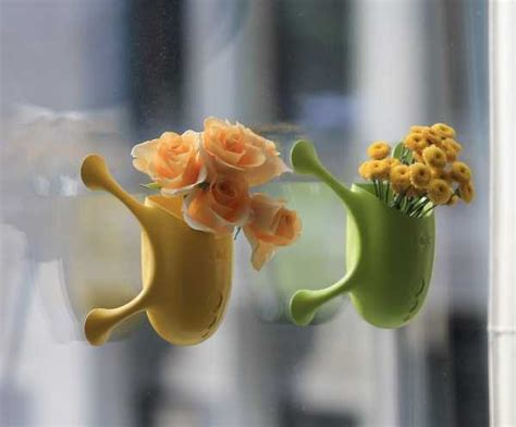 Suction Cup Planter by Stick It Innovative Livi Suction Cup Planter Webecoist