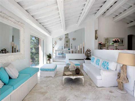 il niente al tavolo verde della stile provenzale per una casa in costiera amalfitana