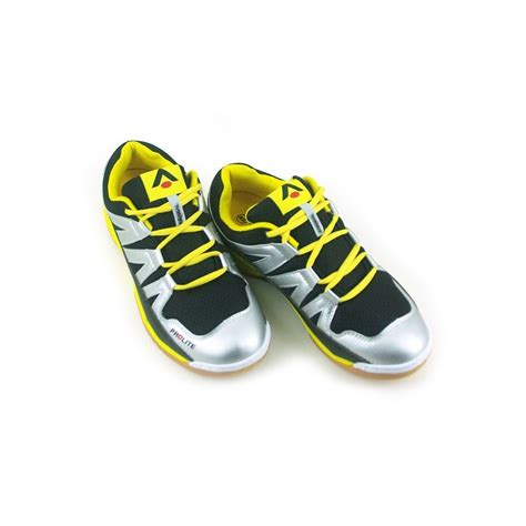 buy sports shoes uk buy sports shoes uk 28 images s sports shoes 163 53 13
